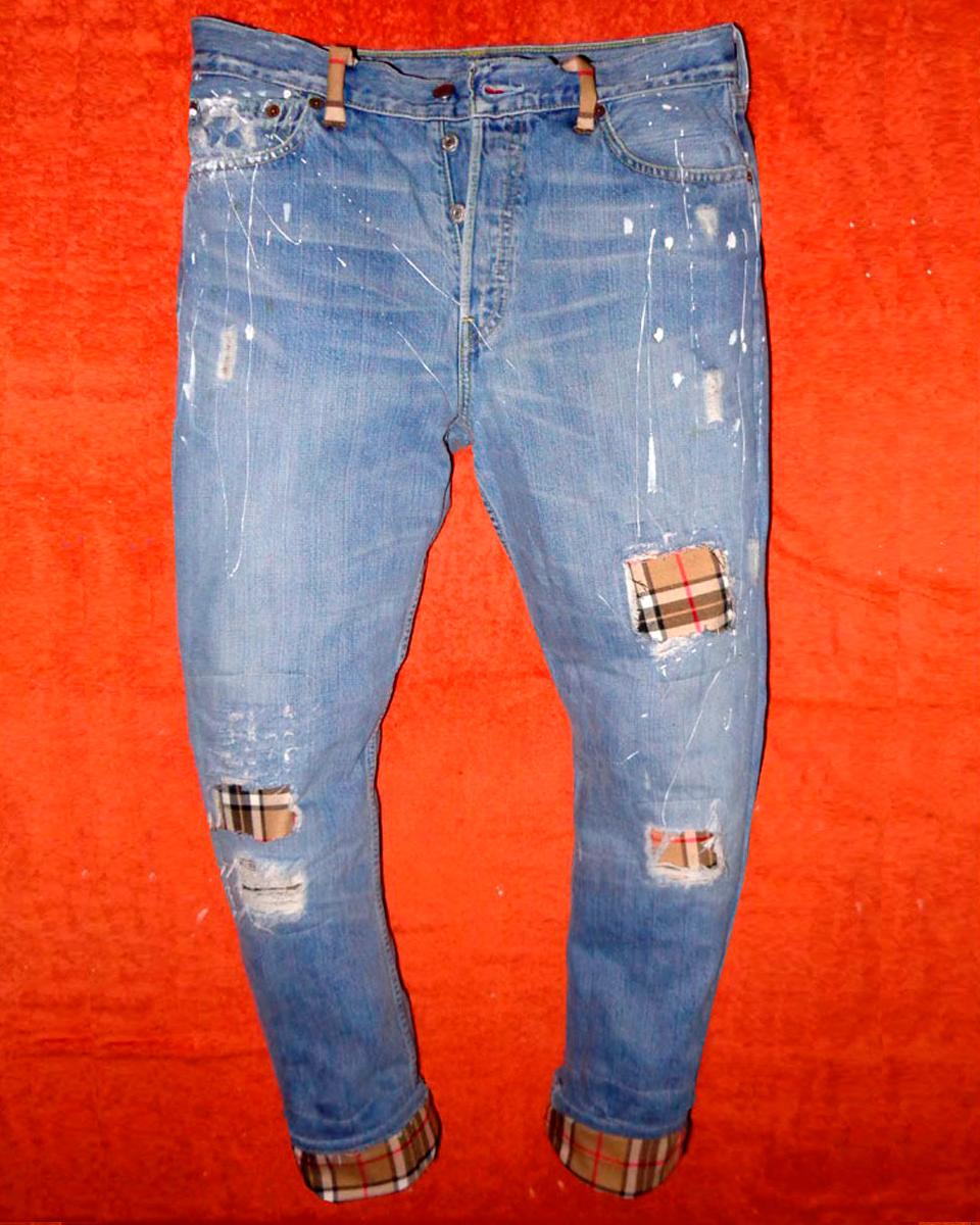 nuovo stile 84981 c44d2 Vintage Levi's Jeans Light Beige Burberry themed